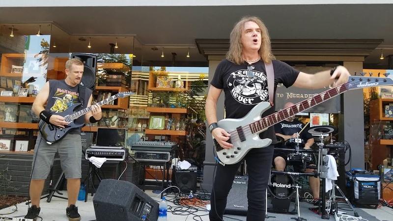 Megadeth bassist David Ellefson performs Peace Sells with Woke Up Dead