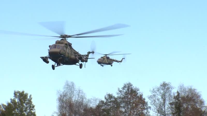 Высадка десанта и доставка гуманитарного груза вертолетами ЦВО на учении Нерушимое братство 2020 mp4