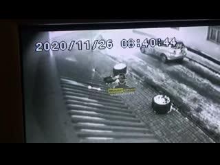 В Барнауле ищут пассажира такси, который сломал шлагбаум