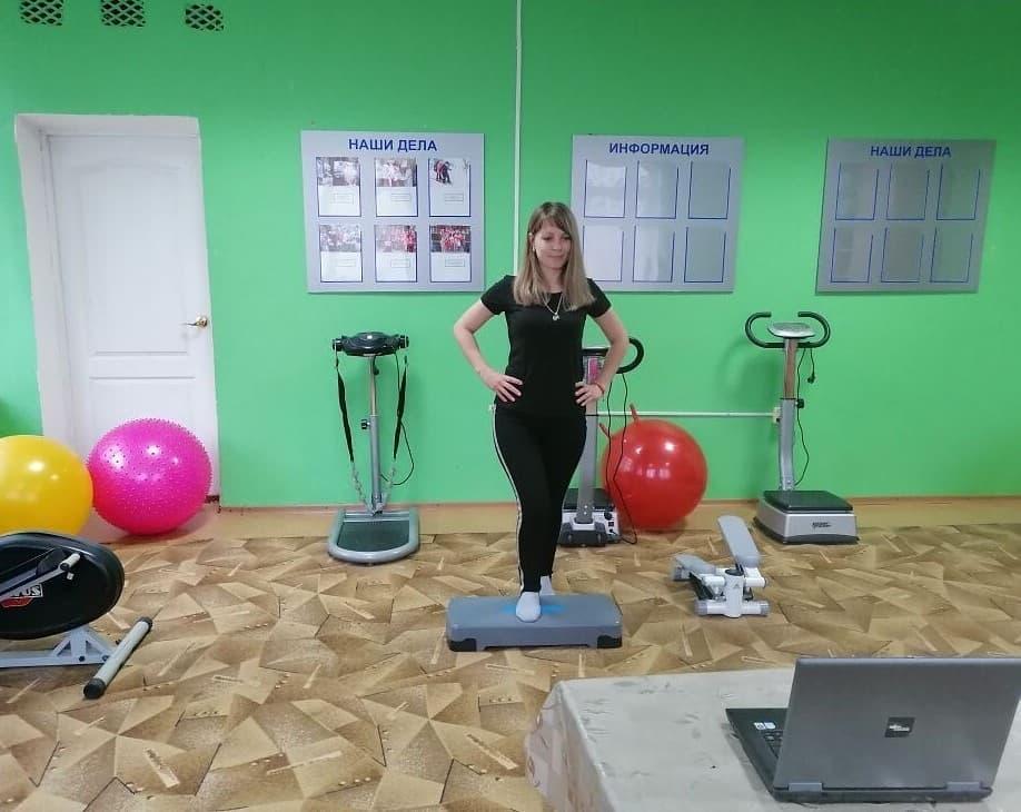 Петровские «серебряные» волонтёры занимаются физкультурой в онлайн-режиме