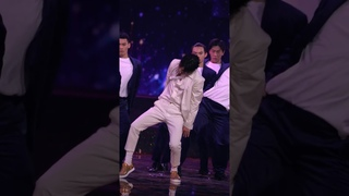 [OFFICIAL] 201031 Wang Yibo - Versace on the floor @ Hunan TV x TMall Global Shopping Festival 2020