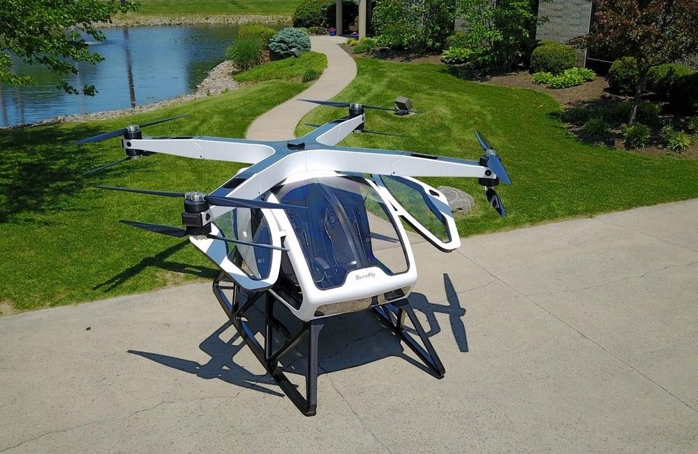 Квадрокоптер для перевозки людей