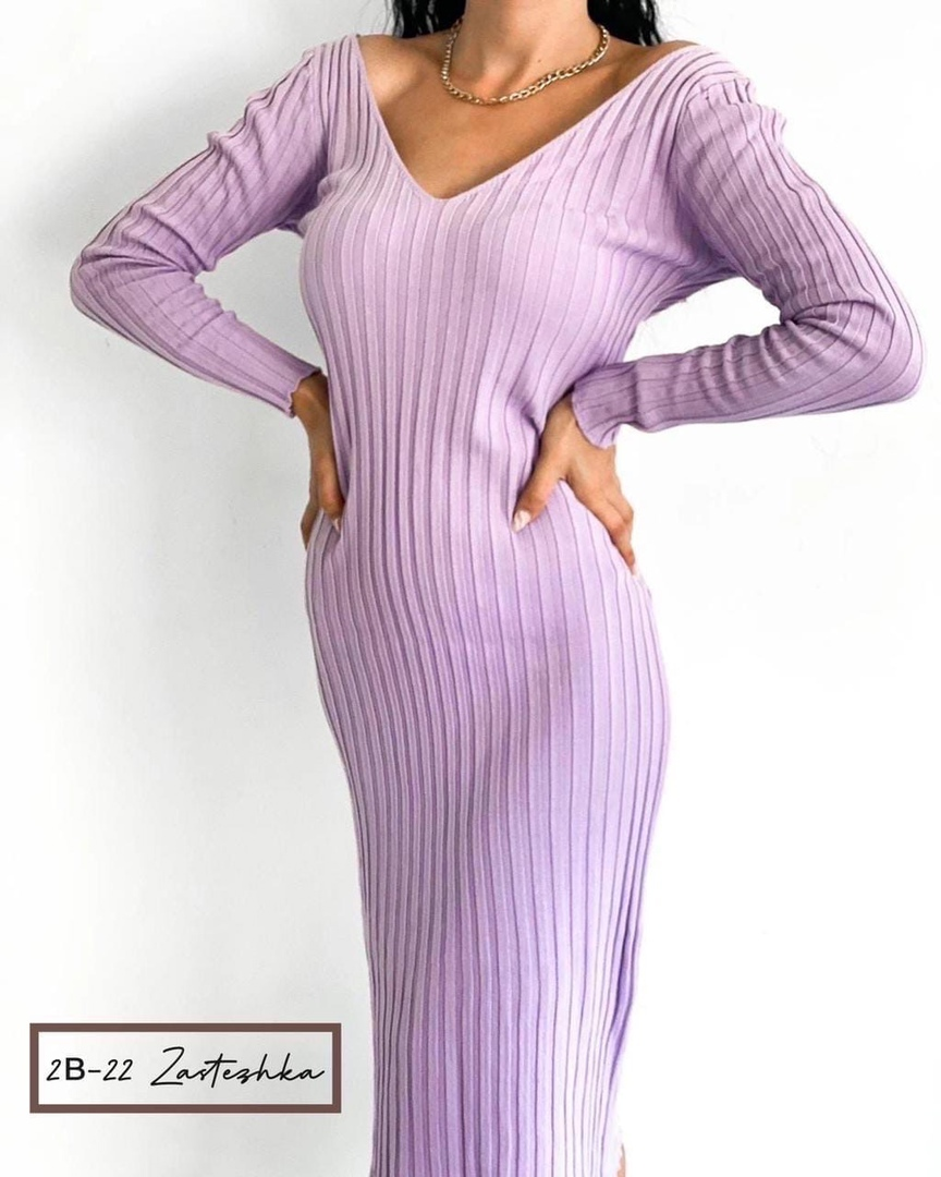 New Collection  ;  Платье МонашКа   Ткань: трикотаж (лапша)   Размер : oversize ( 42 - 46 )  Цвет: черный , сирень , горчица и кирпичный Отличное платье для ценителей классики комфорт и практичность французская длина ( 110 см )  Производство Турция  На фо