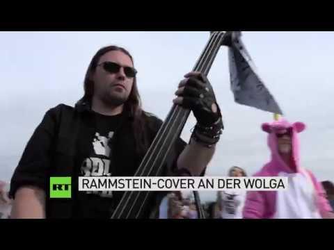 Russland rockt 150 Musiker covern Du hast von Rammstein am Ufer der Wolga