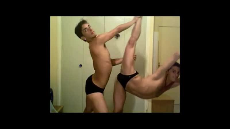 Молодые гоу гоу парни пластично танцуют Стриптиз Полуголые парни Домашнее видео Гей порно секс