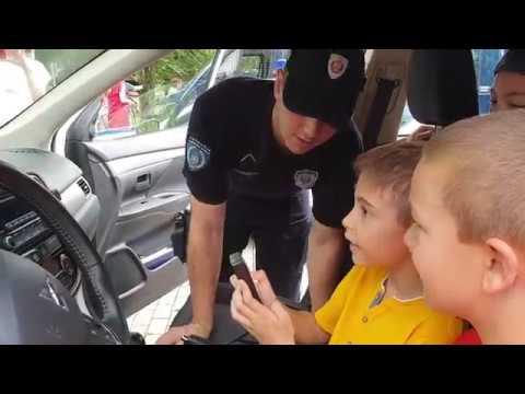 Kraljevo: Dan policije i druženje sa mališanima i gradjanima