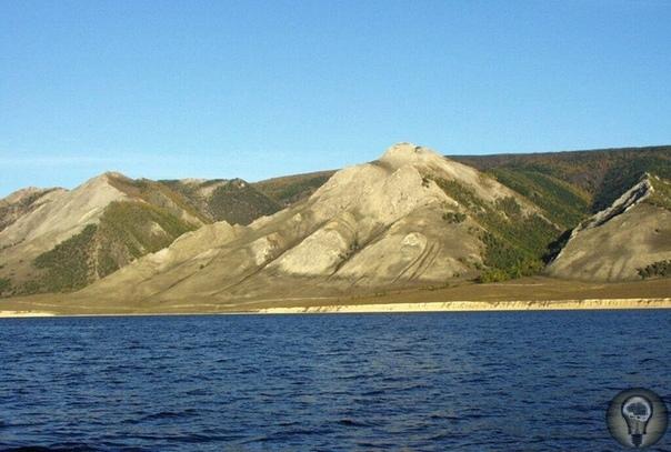 Тайны мыса Рытый на Байкале В центральной части озера Байкал, на его западном берегу и напротив самого широкого места, расположен мыс Рытый. Здесь нет никаких поселений. Одиночные катера, не