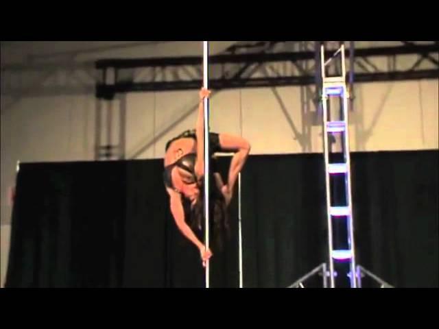 Static fang Pole trick Zoraya Judd