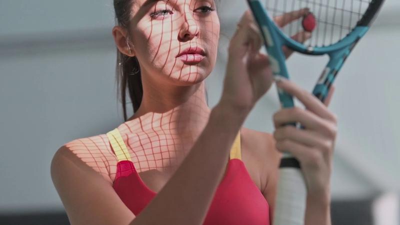 Рекламный ролик яркой одежды для фитнеса