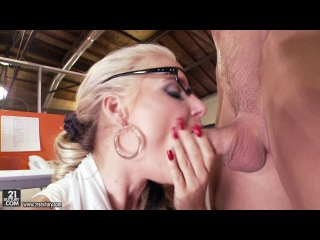 Phoenix Marie - Overtime in the office:ClubSandy