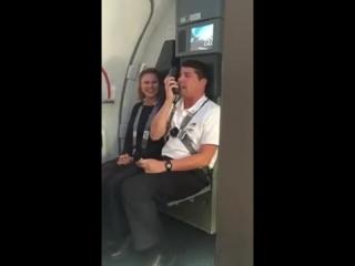 Правила безопасности в самолёте голосами героев мультика Весёлые мелодии