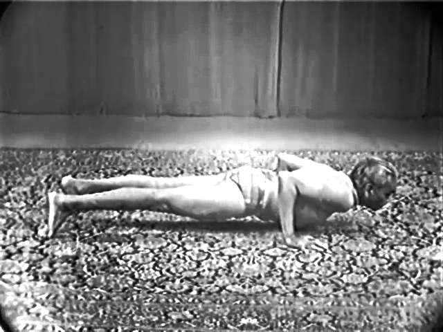 Сурья Намаскар. Демонстрация. Шри Б.К.С. Айенгар / B.K.S. Iyengar, Лондон, 1976