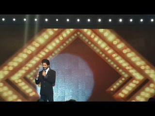 Bollywood Actor Shahrukh Khan's best witty speech at DHFL event
