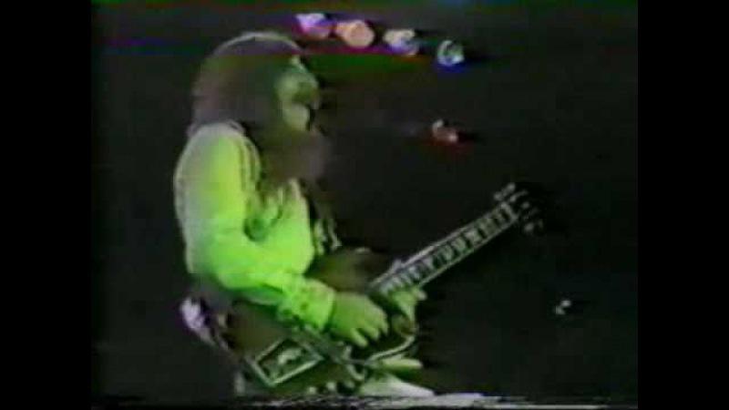 Frank MarinoMahogany Rush: Bromont show 1979(in it`s entirety)