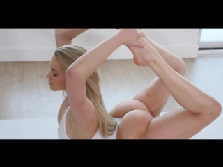 Mia malkova [naked girls, yoga, fitnes girl natural, solo, top bottom, big ass, natural tits]
