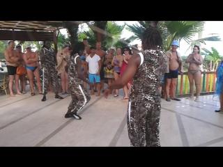 Акробаты из кении.l'oceanica beach resort hotel 5*  