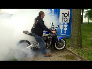 Motorcycle burnout, fire accident, oil duct malfunction. Palenie gumy razem z motocyklem