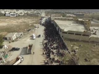 Алеппо_ Тысячи мирных жителей выходят из захваченных террористами районов