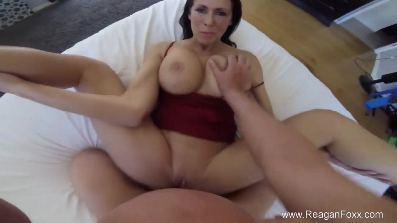Hot Spanish Milf Creampie