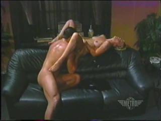 Лукреция Мак Эвил / Lucretia MacEvil  [1997, Feature, Rape, Hardcore, MILF, Vintage, Anal, Mature, DP] Порно фильм с сюжетом