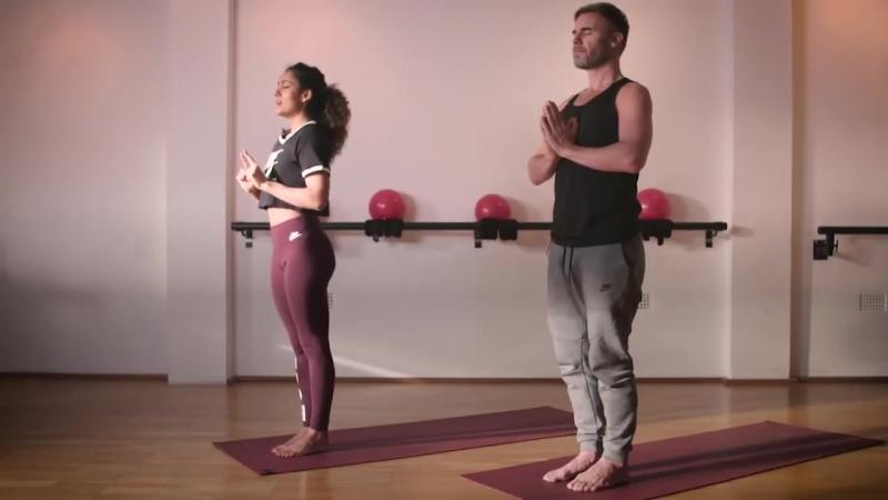 Gary Barlow Con Jasmine Hemsley practica yoga