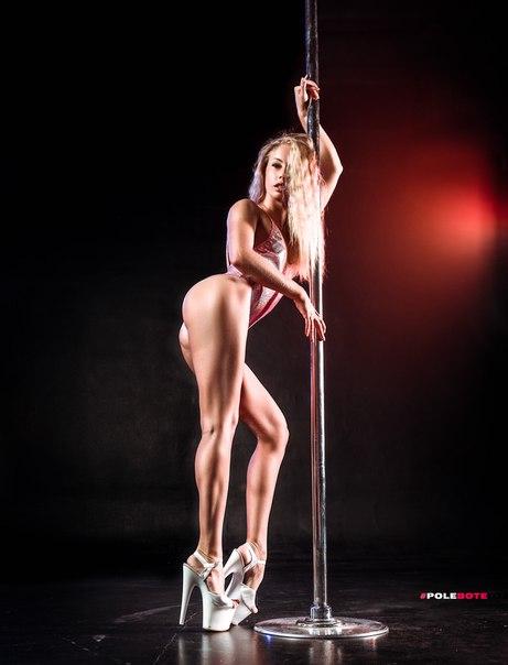Lap Dance Nude Pole Dancing