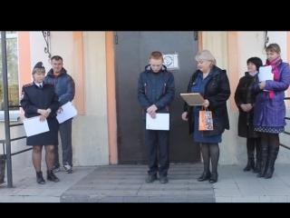 В Хакасии полицейские и спасатели поощрили школьника, спасшего из задымлённого помещения двоих детей