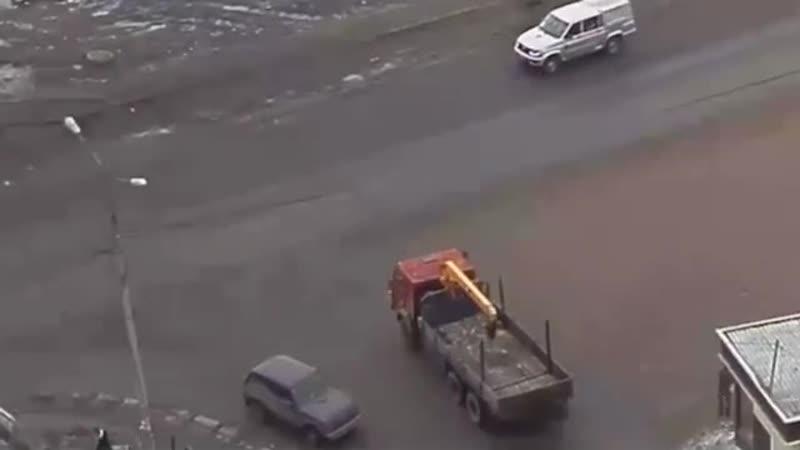 Тормознутый грузовик