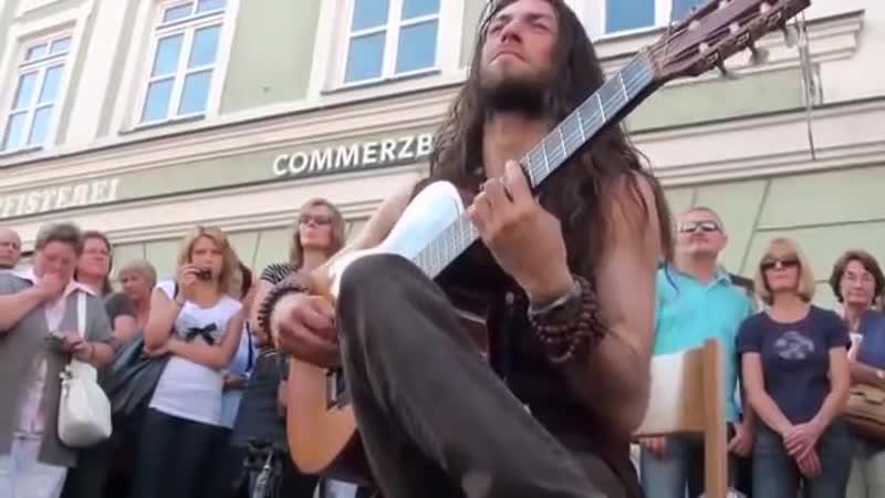 Гитара в руках виртуоза волшебника зачёт пример и подрожание нови 360 X 640 mp4
