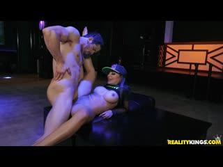 Бесплатный vip | lela star lela craves the rave | | all sex milf blowjob big tits big ass