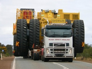 BIGGEST OVERSIZE LOAD EVER CAUGHT  Heavy load RC Truck  Super human Level