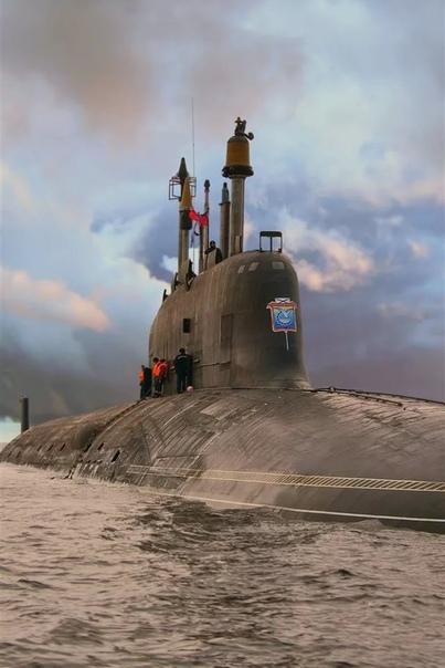 СРАВНЕНИЕ ПОДВОДНЫХ СИЛ РОССИИ И США Сильно заморачиваться не будем. Рассмотрим кол-во АПЛ и потенциальную ядерную мощь обоих флотов.Единственный момент, который нельзя обойти вниманием, это