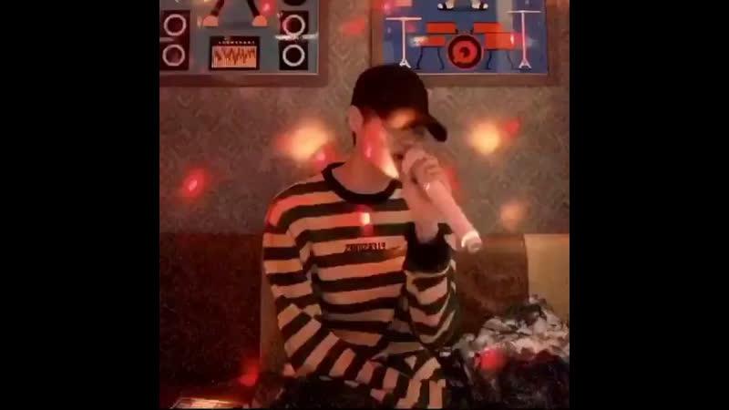 Daehwi singing taeyeon's 'four seasons'