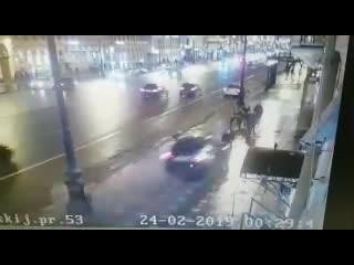 Пьяный Азербайджанец сбил людей в Питере. авария , чп , дтп.