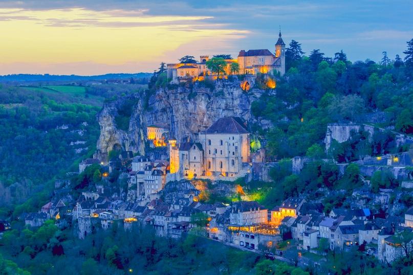 Рокамадур – потрясающая вертикальная деревня во Франции, изображение №6