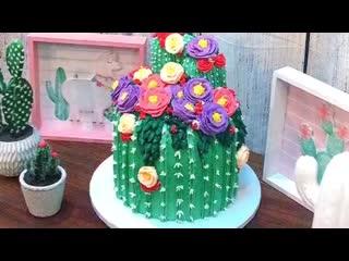 """Как сделать торт в виде Кактуса с цветками. / Наша группа в ВК: """"Торты на заказ. Мировые шедевры""""."""