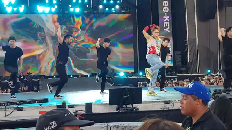 """190119 KEY 키 (SHINee) """"One of Those Nights"""" - SMTOWN Special Stage in Santiago. [HD]"""