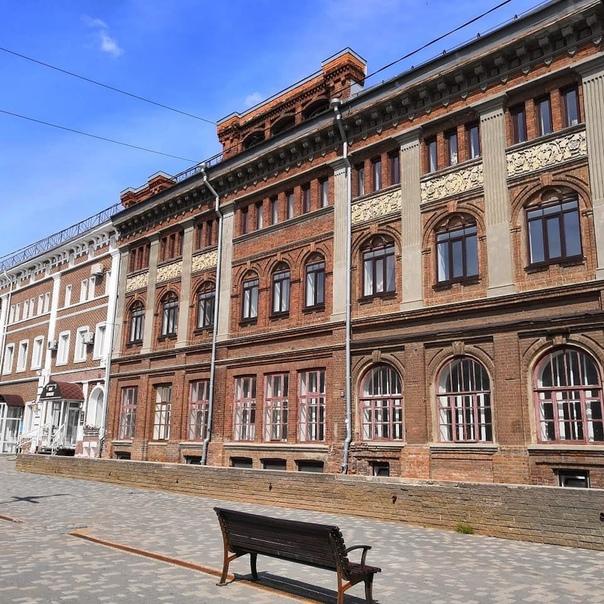 Фасады старинных зданий в историческом центре Кирова : Фото профиля mi