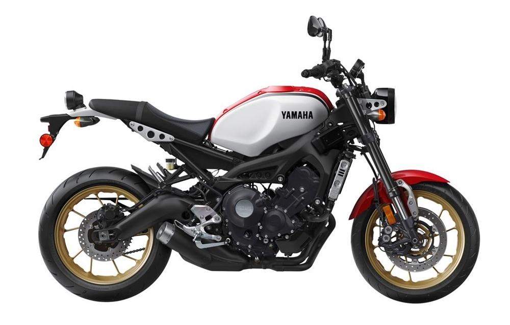 Расцветка Yamaha XSR900 2020 в честь RD250LC