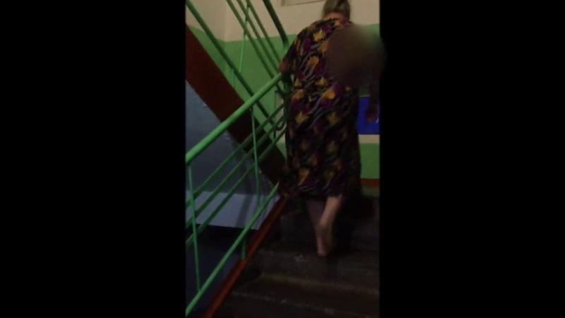 Показала голый зад соседям жительница Искитима