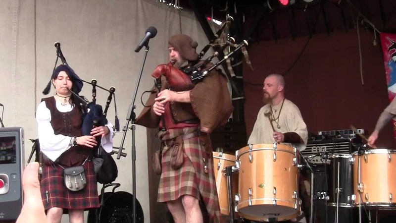 MPS - Weeze 2012 ! The Irish ! Saor Patrol - with a 2nd bagpipe , a girl ! -)