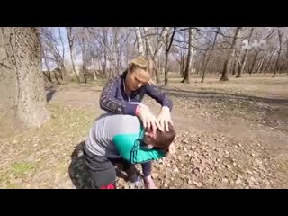 Датчанка метелит запорожца на украинском телешоу Мняю жнку
