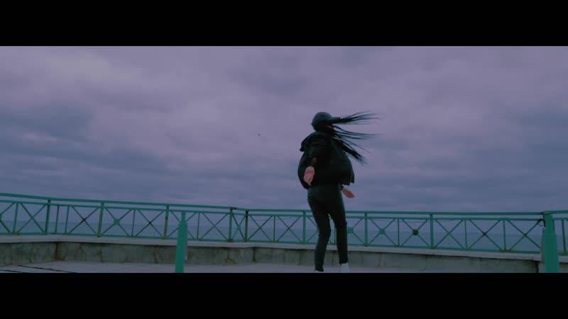 Alexandra Stan feat. Jahmmi - 9 lives (Official video)