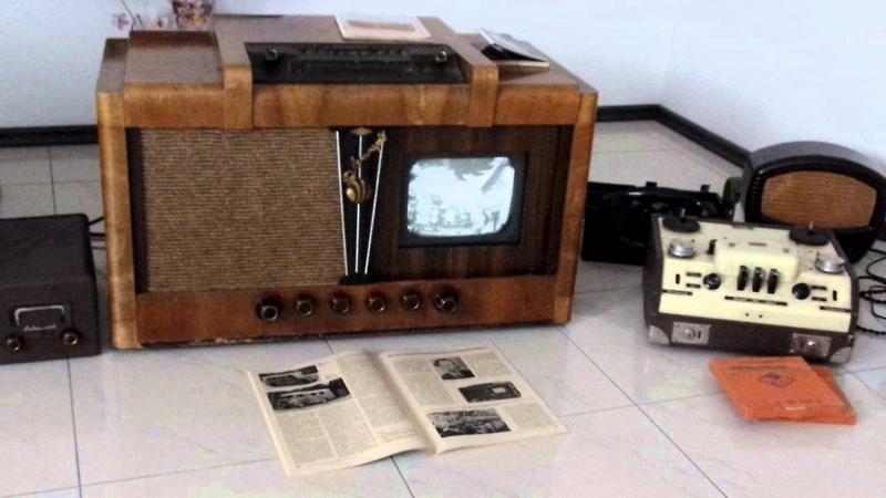 Телевизор Ленинград Т2 (Fernseher) Sachsenwerk Leningrad t2 Rembrand FE852E DDR-Nationalhymne