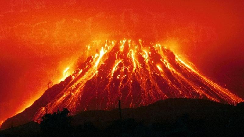 Извержение вулкана Синабунг в Индонезии 9 июня 2019 Полная версия