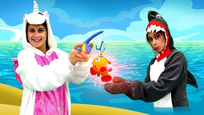 Единорог и золотая рыбка. Видео для девочек и игры одевалки.