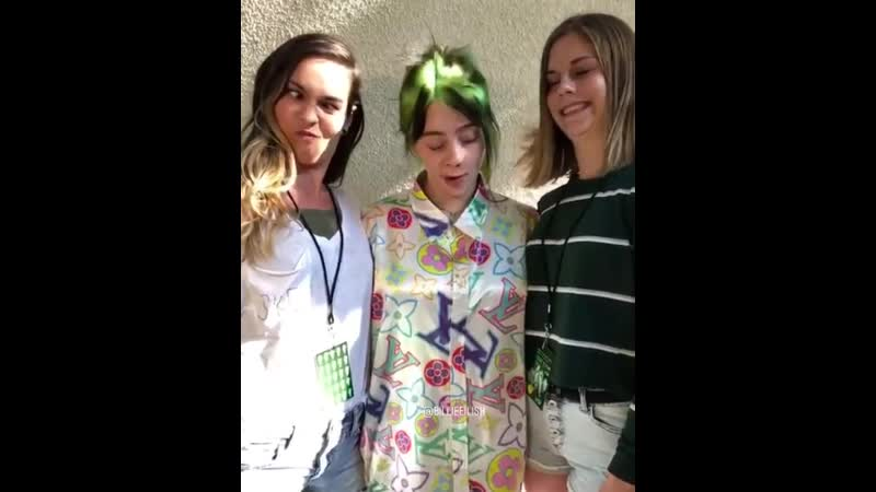 Billie with fans at mg san diego
