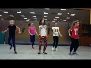 Hip-Hop (ilbit) Парх Хаус дети