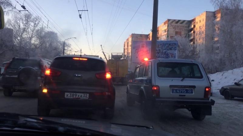 Авария Барнаул у кардиоцентра 27 12 2016