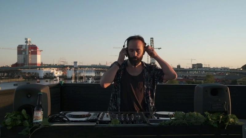 Jonas Rathsman played Valer den Bit Desires Of Mind Blaq Theory Remix 12 06 20 Goteborg Sweden